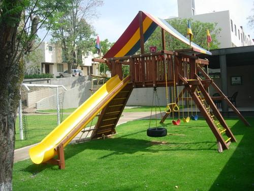 juegos infantiles rea de juegos rodeada por un andador peatonal o ciclopista arenero y mdulo de juegos para nios pequeos y zonas de jardn ucde